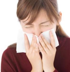 鼻うがい2 女性 くしゃみ 咳 鼻水 風邪 インフルエンザ