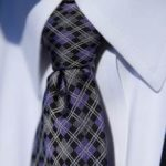 おしゃれなネクタイの結び方、きれいなディンプルはこうして作る!