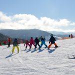 苗場スキー場おすすめスクールはどこ?子供と一緒に学んで滑ろう!