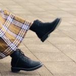 ブーツの臭いを簡単に消す方法!臭いの原因から対策、もう座敷は怖くない