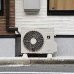 エアコン室外機の掃除は必要?掃除による効果と掃除方法を解説